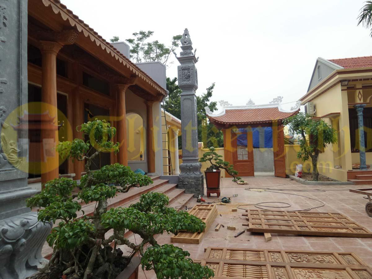 Nhà từ đường và khuôn viên nhà ngang nhà bếp cổng hàng rào ở Duy Tiên - Hà Nam
